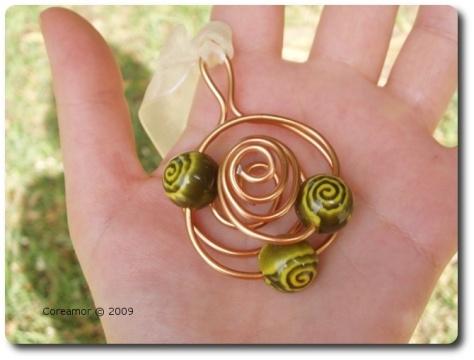 green-spiral-pendant3